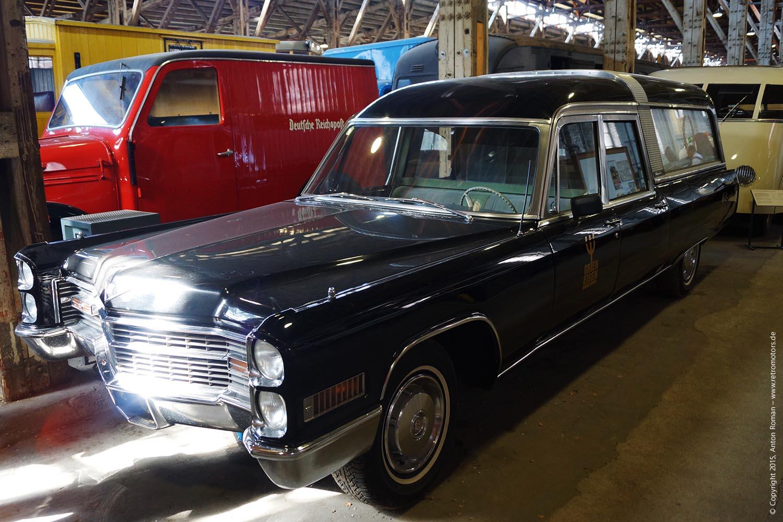 Bestattungsfahrzeug auf Basis eines 1966 Cadillac Sedan DeVille